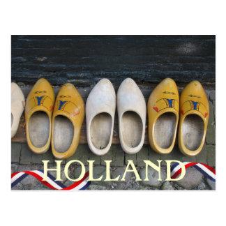 Briefkaart van de Schoenen van Holland het