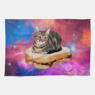 brood kat - ruimtekat - katten in ruimte theedoek