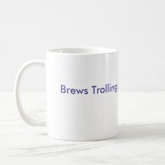 Brouwt het Met een sleeplijn vissen het gezicht Koffiemok