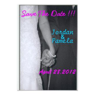 bruid en bruidegomholdingshanden kaart