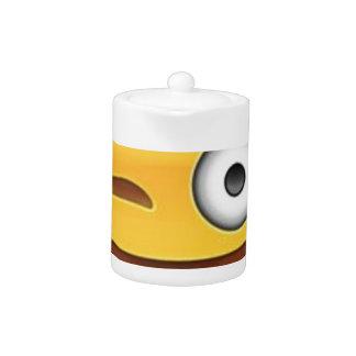 Brutale emoji Smiley knipoogt