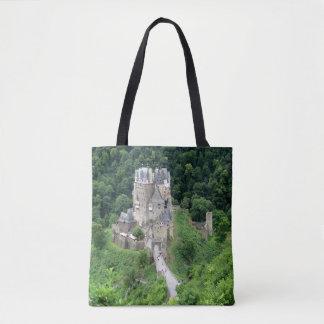 Burg Eltz. Kasteel dichtbij de vallei van de Draagtas