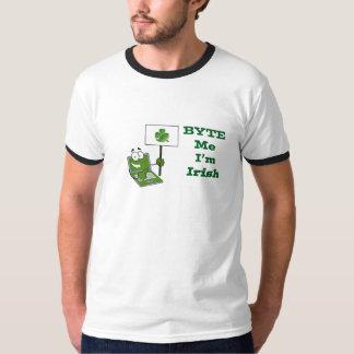 """""""Byte me ben ik Iers"""" - het T-shirt van de Bel van"""
