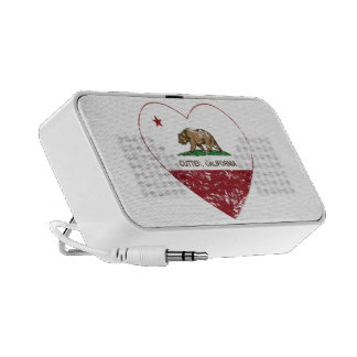 Californië de vlag cutten verontrust hart mp3 speaker