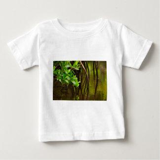 Canoeing door Stille Mangroven Baby T Shirts