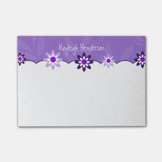 Capricieuze Paarse Witte Gepersonaliseerde Bloemen Post-it® Notes