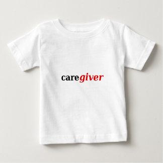 Caregivers is het beste! baby t shirts