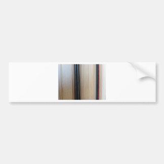 Close-up van tweede handboeken die zich op een bumpersticker