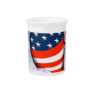 Colorado luide en trotse, tony fernandes drink pitcher