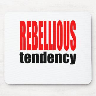 Conflic tiener van de de tendens de rebelse muismat