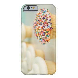 Cupcakes, nadruk op vooraan met barely there iPhone 6 hoesje