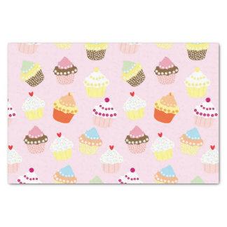 Cupcakes op roze tissuepapier