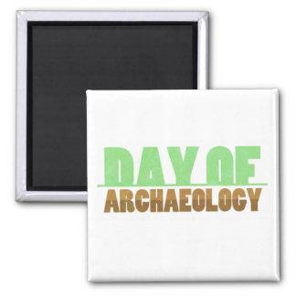Dag van de Vierkante Magneet van de Archeologie