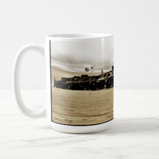 de 1st Jaarlijkse Invasie van Hummer van het Koffiemok