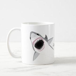 De Aanval van de haai met Uw Naam Koffiemok