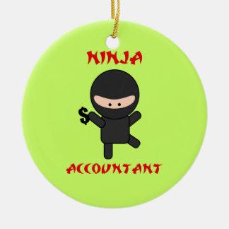 De Accountant van Ninja met het Teken van de Rond Keramisch Ornament