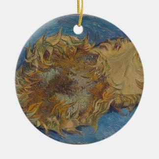 De achtergrond van de zonnebloem rond keramisch ornament