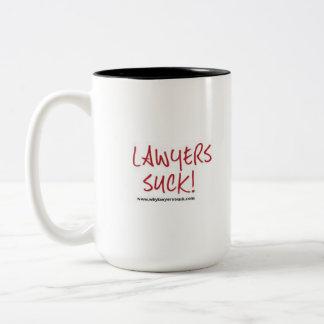De advocaten zuigen mok