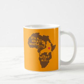 De Afrikaanse Kleine Wereld van de Goedkeuring Koffiemok