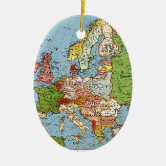 De Algemene Kaart van de vintage Eeuw van Europa Keramisch Ovaal Ornament