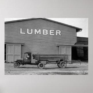 De antiek Vrachtwagen van het Timmerhout: 1925 Poster