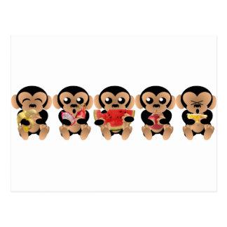 De apen die van de vruchten houden briefkaart