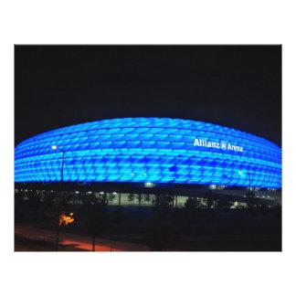 De Arena van Allianz bij nacht, München Folder Ontwerp