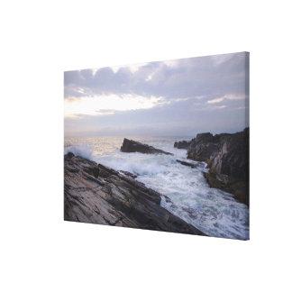 De Atlantische Oceaan bij Zonsopgang in Maine Canvas Afdruk