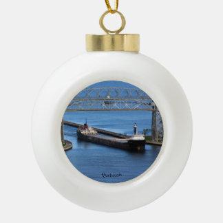 De bal van Quebecois of sneeuwvlokornament Keramische Bal Ornament