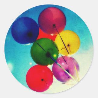 De ballons van de regenboog ronde sticker