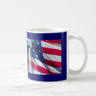 De Begroeting van de veteraan de Militaire Vlag Koffiemok