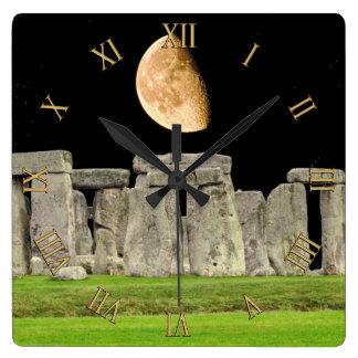 De Bevindende Stenen van Stonehenge bij Moonrise Vierkante Klok