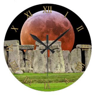 De Bevindende Stenen van Stonehenge & Maan 2 van Ronde Klok Large
