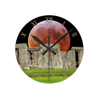 De Bevindende Stenen van Stonehenge & Maan 2 van Ronde Klok Medium