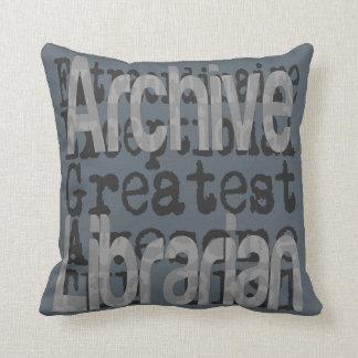 De Bibliothecaris Extraordinaire van het archief Sierkussen