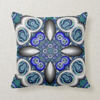 De blauwgroen blauwe en zilveren fractal druk sierkussen