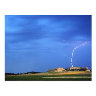 De bliksem slaat dichtbij de Onbetrouwbare Heuvels Briefkaart