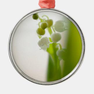 De Bloem van het lelietje-van-dalen Zilverkleurig Rond Ornament