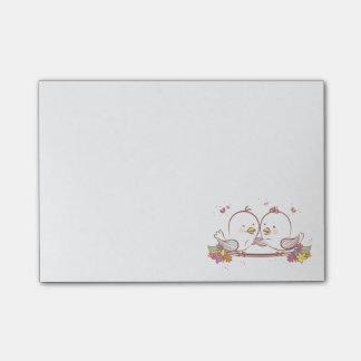 De bloemen Dwergpapegaaien doorboren de Paarse Post-it® Notes