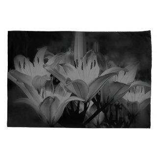 De Bloemen van de lelie in Zwart-wit Kussensloop