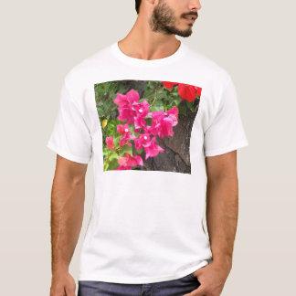 De bloemen Vulkanische Rots van de Lava T Shirt