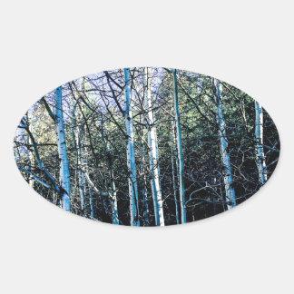 De bomen van de esp in de herfst ovale sticker