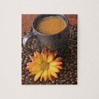 De Bonen van de koffie & Gele Daisy Puzzel