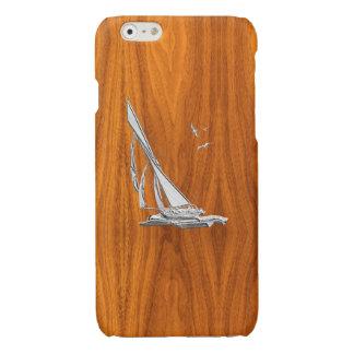 De Boot van het Zeil van het chroom op de Houten Glossy iPhone 6 Hoesje