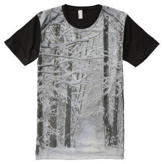 De BosWeg van de winter helemaal over de T-shirt