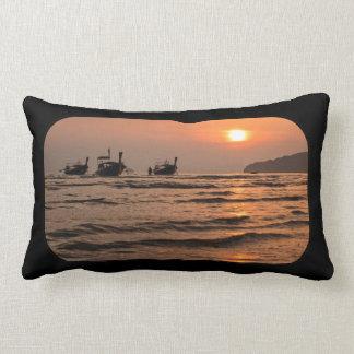 Houten boot kussens houten boot sierkussens online for Lang rond kussen