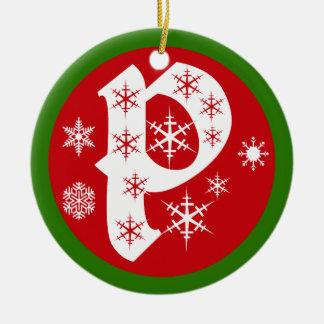 De Brief P van het Monogram van sneeuwvlokken Rond Keramisch Ornament