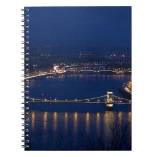 De brug Hongarije Boedapest van de ketting bij Ringband Notitieboek