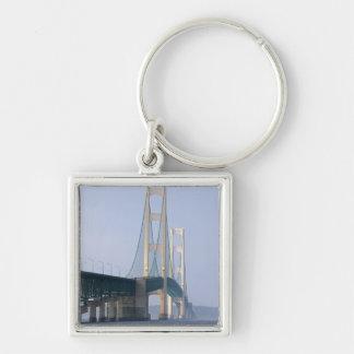 De brug Mackinac die Detroit overspannen van Zilverkleurige Vierkante Sleutelhanger