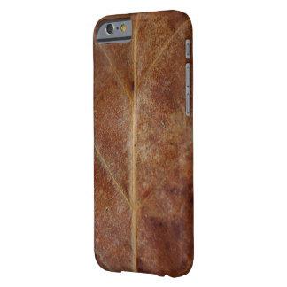 De bruine Boom van de Bladeren van het Blad Barely There iPhone 6 Hoesje